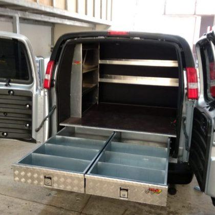 זיווד רכב מסחרי : מדפי אלומיניום לרכב, מגירות לרכב ומתקן לסולם 304