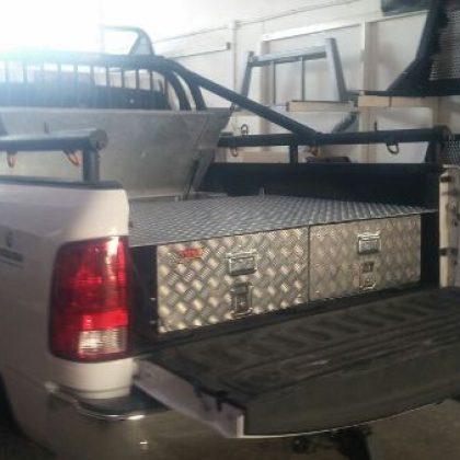 מגירות לרכב, ארגז כלים לטנדר וקשת לטנדר 93