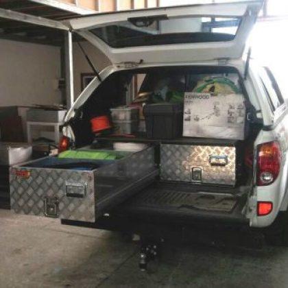 מגירות אחסון לרכב 128