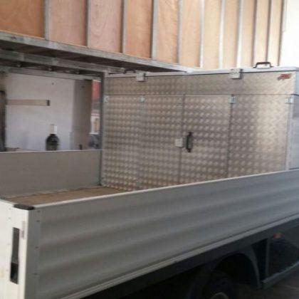 זיווד משאית : ארון כלים למשאית 226