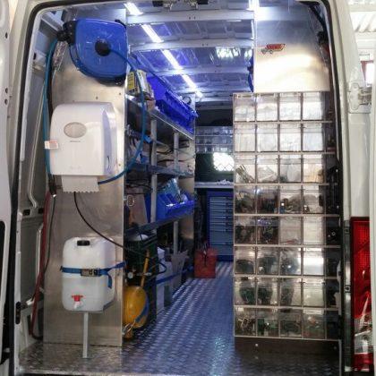 רצפה,ארונות ושולחן עבודה לרכב מסחרי 227