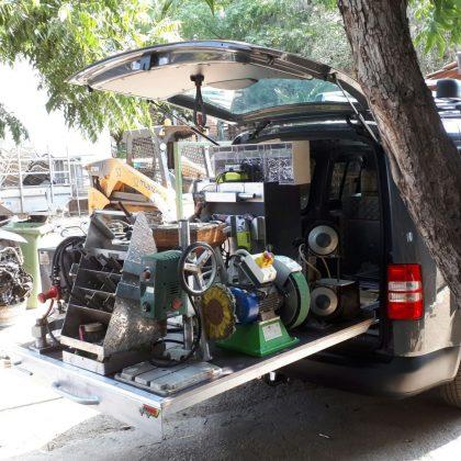 מסוע ומגירות לרכב מסחרי 235