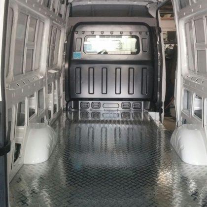 זיווד רכב : רצפת אלומיניום לרכב מסחרי 259