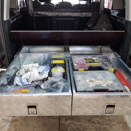 זיווד רכב : מגירות לרכב מסחרי ופלטה עליונה מתרוממת 279