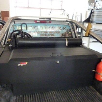 מיכל סולר לרכב, מיכל מים לרכב וארגז כלים לטנדר 220