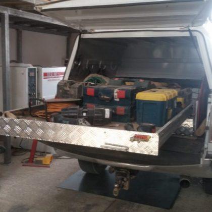 מסוע לרכב (משטח נשלף לרכב) ומגירות לטנדר 303