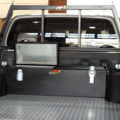 ארגז כלים לרכב וקשת העמסה לטנדר 311