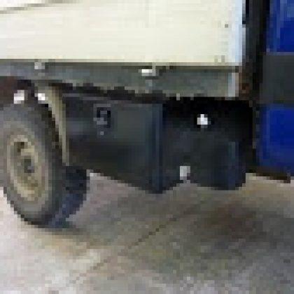 ארגז כלים ומיכל מים למשאית 146